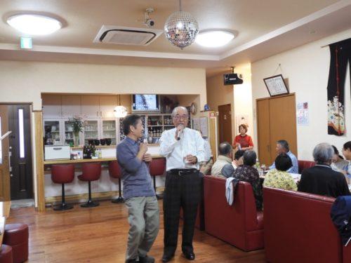 Wさんと田口さん(右)